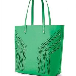 stella and dot fillmore tote kelly green